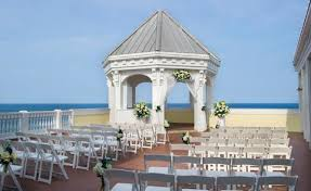 Gazebo at Pelican Grand Beach Resort Fort Lauderdale, Florida by Alfredo Valentine Couture Bridal Photography The Pelican Grand Beach Resort is a favorite wedding venue for Alfredo Valentine Couture Bridal Photography