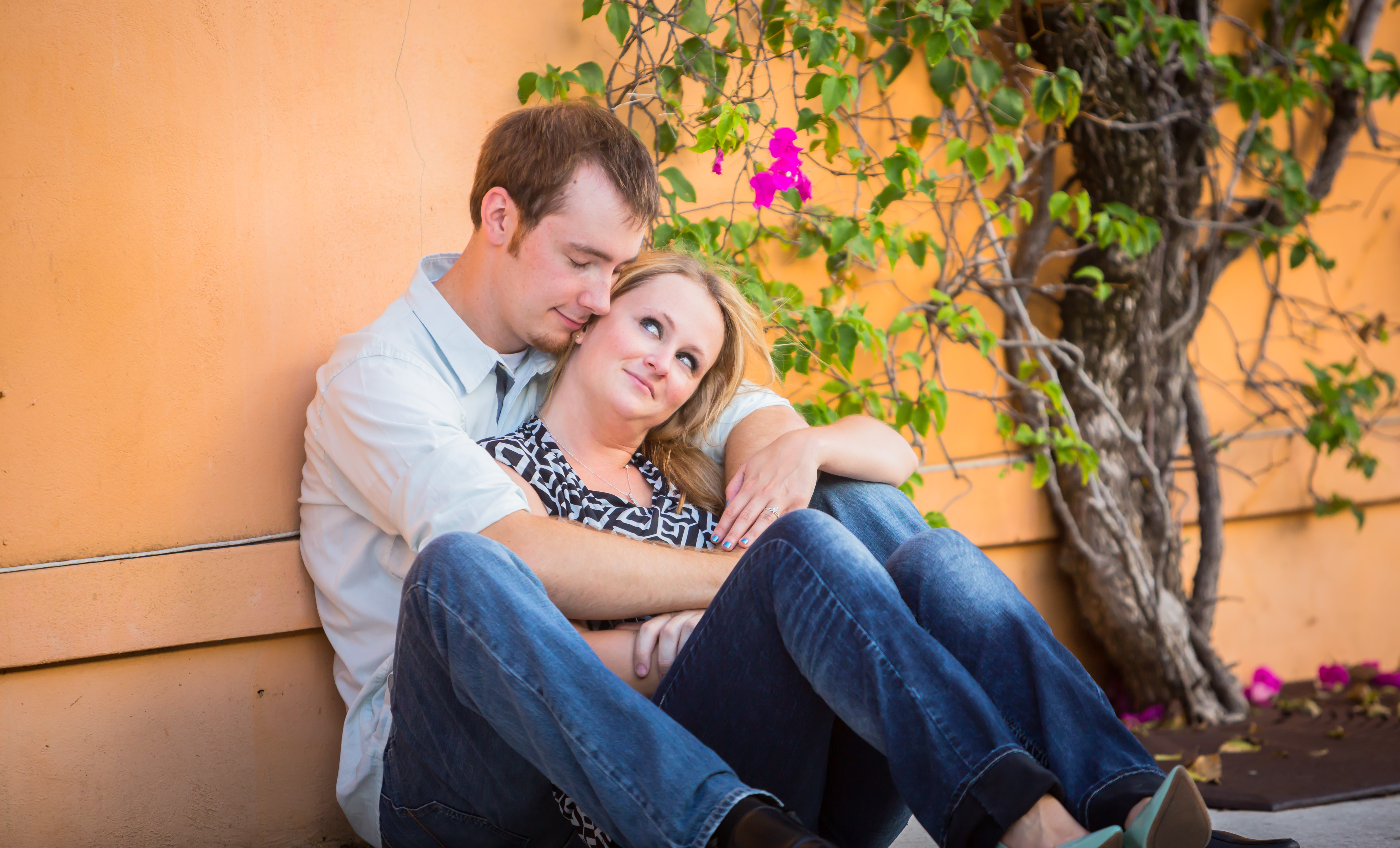 Couture Bridal Photography explains the benefits of a having an engagement session to prepare you for your wedding photography and also set the tone for your wedding photography on wedding day!